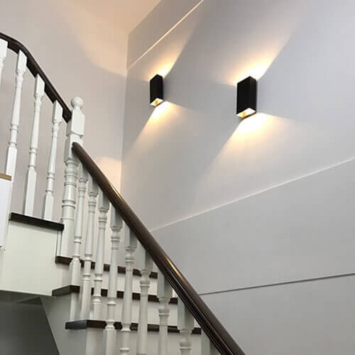 đèn vách tường, ốp tường cầu thang